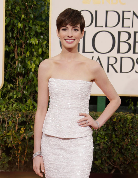 Anne-Hathaway-globo-de-ouro-2013