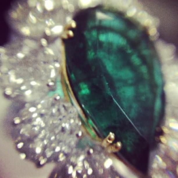anel-esmeralda-vecchio-joalheiros