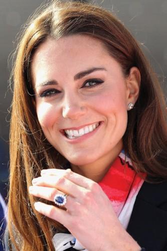 Fonte imagem: White Sapphire Engagement Rings