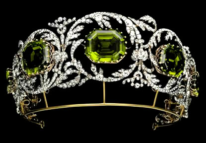 peridot-Austria-Archduchess-Isabelle